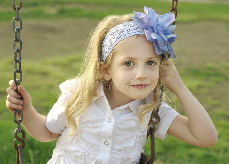 Meisje op Schommeling royalty-vrije stock foto's