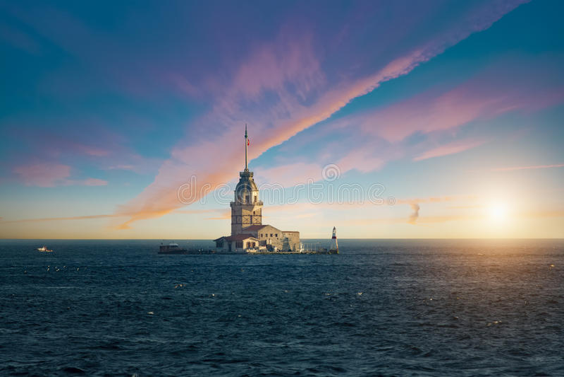 Meisje` s Toren in Bosphorus stock fotografie