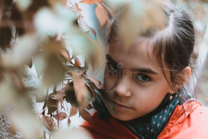 Meisje stedelijk portret stock foto's