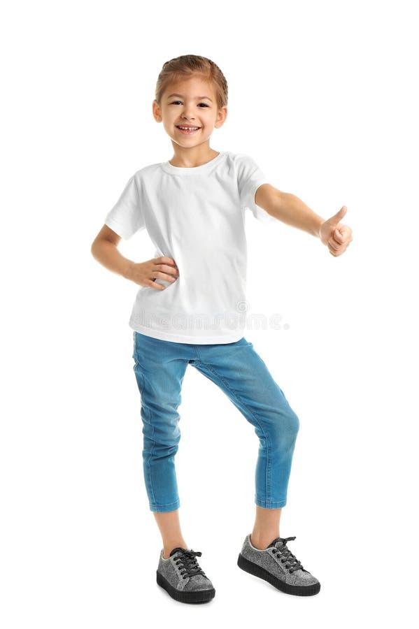 Meisje in t-shirt op witte achtergrond Model voor ontwerp stock foto