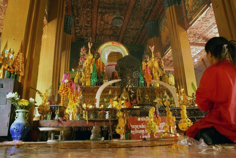 Meisje in tempel royalty-vrije stock foto's