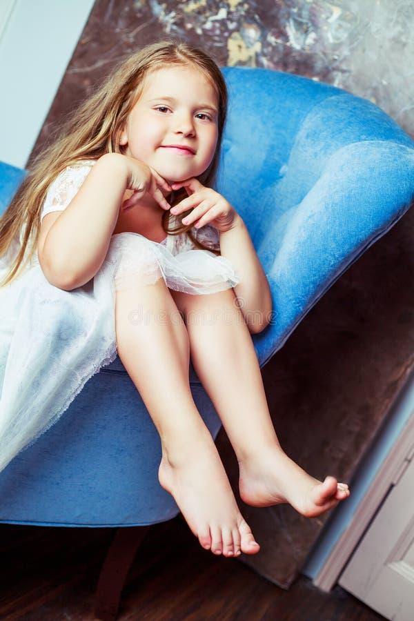 Meisje thuis royalty-vrije stock foto