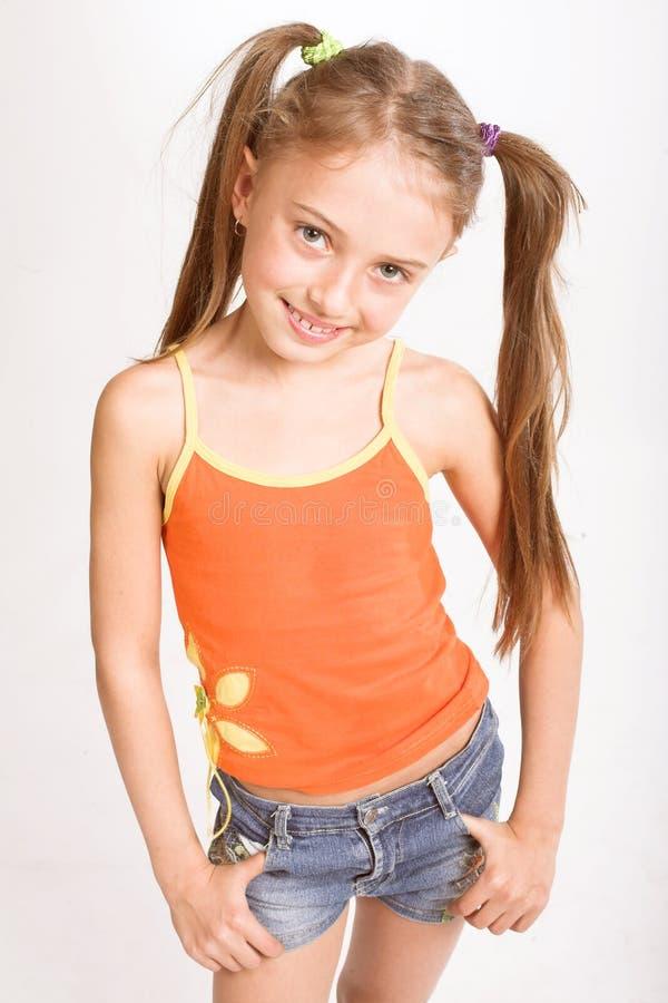Meisje in toevallige kleding stock fotografie