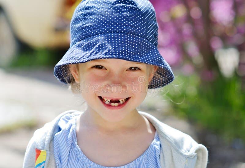 Meisje zonder tanden stock fotografie
