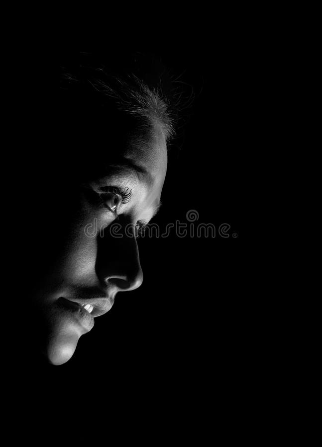 Meisje in zwart-wit dark royalty-vrije stock afbeeldingen