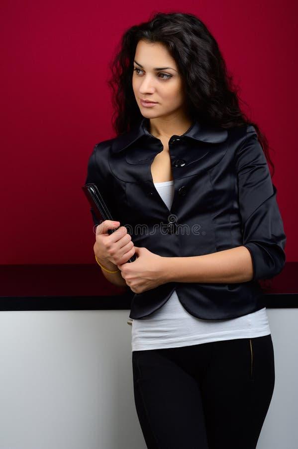 Meisje met tablet stock afbeelding