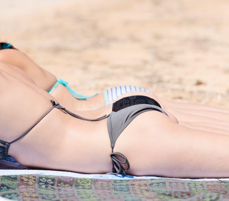 Meisjes in bikini royalty-vrije stock afbeeldingen
