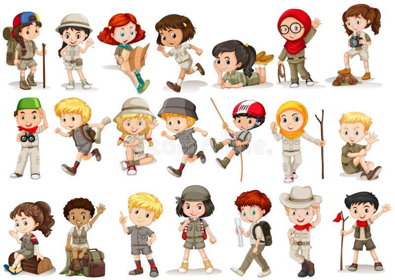 Meisjes en jongens in het kamperen kostuum stock illustratie