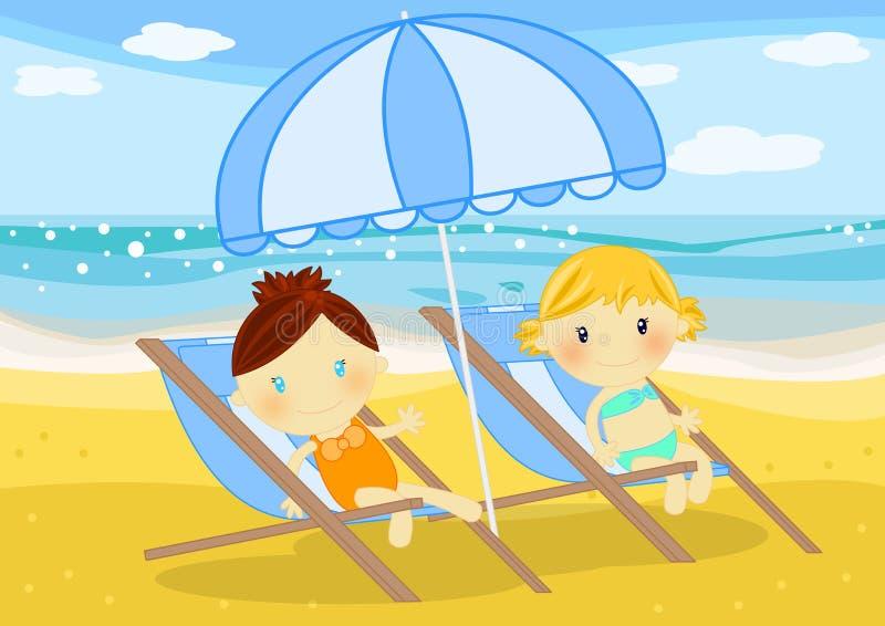 Meisjes gezet op deckchairs bij kust