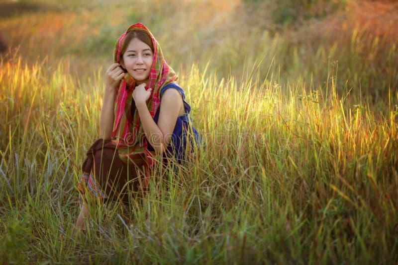 Meisjes in landelijk Thailand stock afbeeldingen