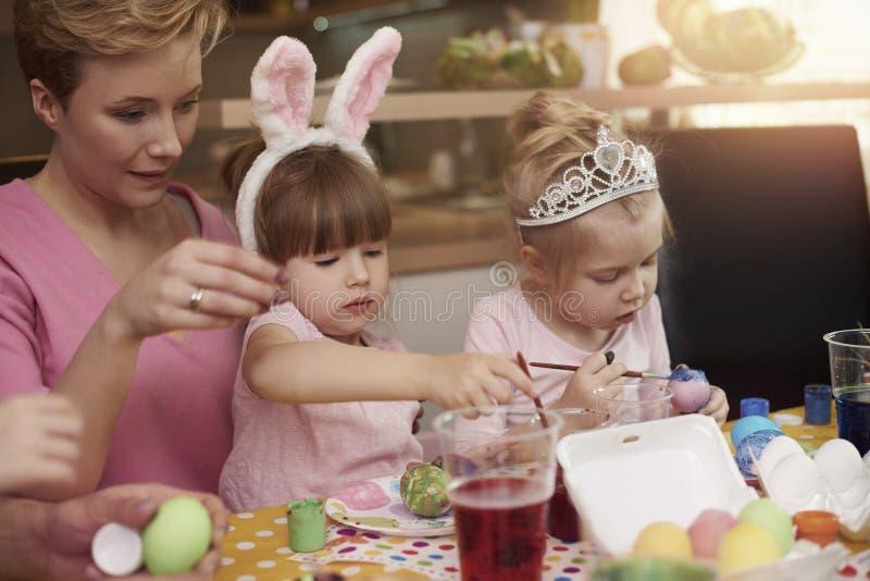 Meisjes met haar mamma royalty-vrije stock afbeeldingen
