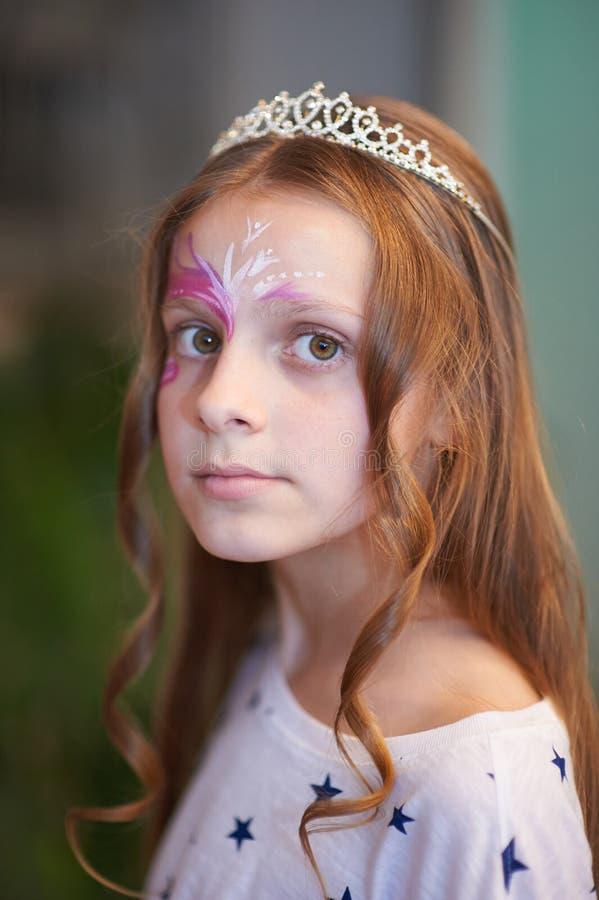 Meisjeskoningin op de partij royalty-vrije stock fotografie