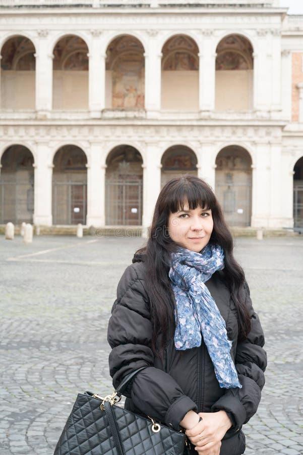 Meisjesportret in Rome stock fotografie