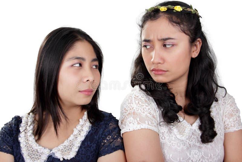 Meisjesvrienden in een strijd royalty-vrije stock foto