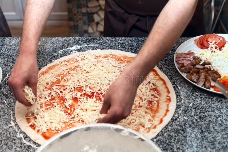 Meister пиццы стоковое фото rf