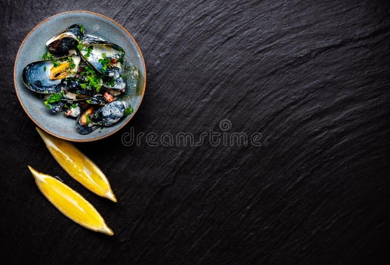 Mejillones azules cocinados foto de archivo