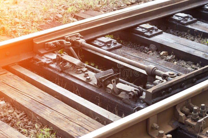 Mekanism för automatisk strömbrytare på järnvägen, närbild, järnväg arkivfoton