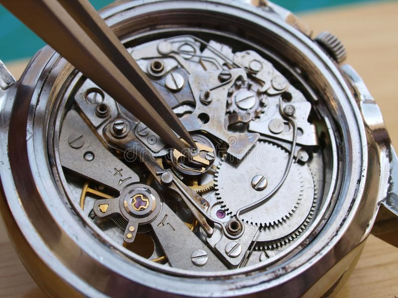 Mekanism för tappningchronographklocka arkivbilder