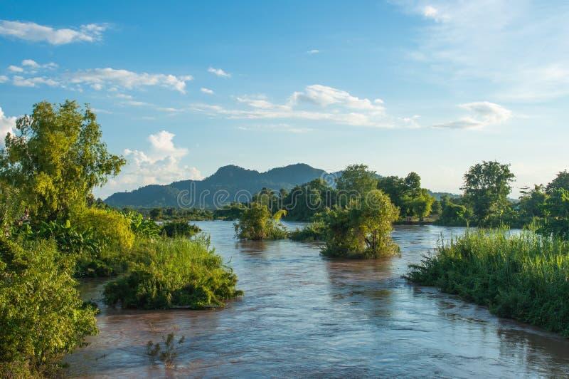 Mekhongrivier en Veel Eiland in Don Khone royalty-vrije stock afbeeldingen