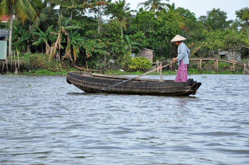 Mekong delta, Cai Dzwonił Spławowego rynek, Wietnam obraz stock