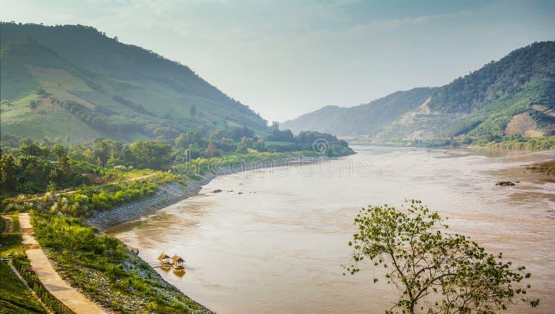 Mekong River gräns mellan Thailand och Laos royaltyfria foton