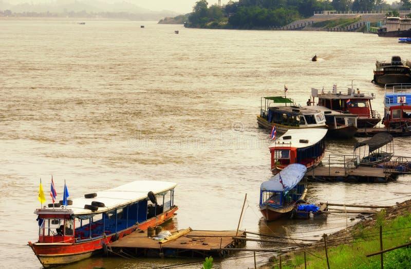 Mekong River Thailand fartyg royaltyfria foton