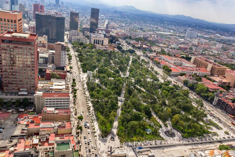 MEKSYK - OKOŁO MAJ 2013: Alameda centrali park zdjęcia royalty free