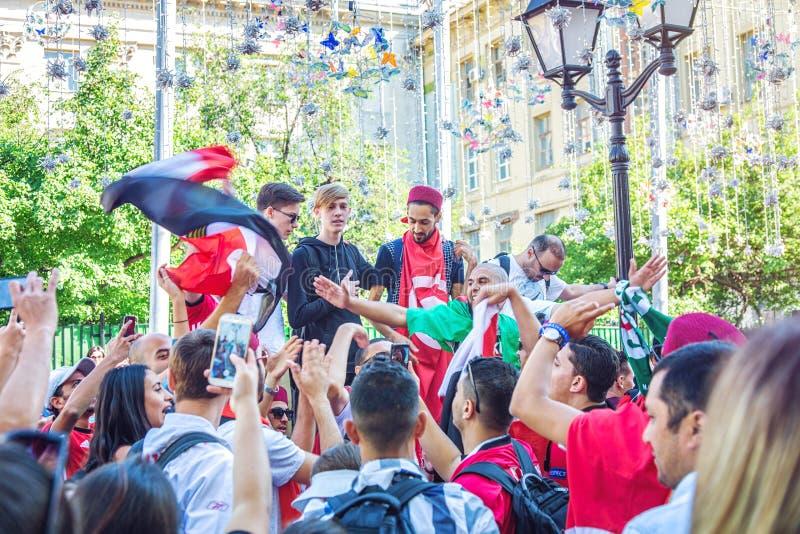 Meksykańscy fan piłki nożnej na Nikolskaya ulicie obrazy stock