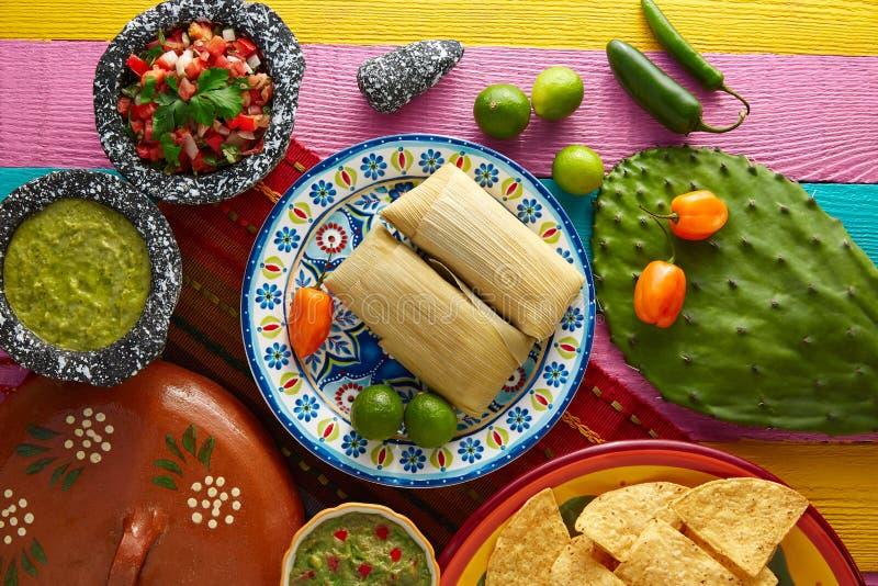 Meksykańscy Tamale tamales kukurydzani liście zdjęcie stock