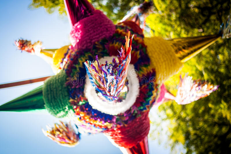 Meksykańska kolorowa pinata piñata tradycja zdjęcia royalty free
