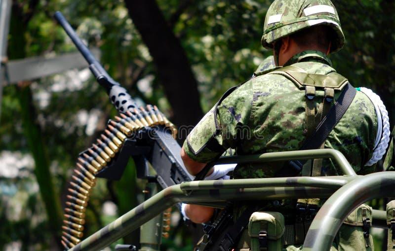 Meksykański militay w paradzie zdjęcia stock