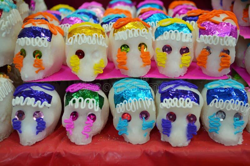 Meksykańskie cukierek czaszki dla Dia De Muertos obrazy royalty free