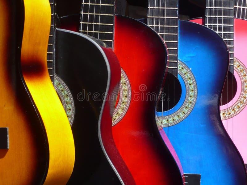 Download Meksykańskie Muzykalne Gitary Zdjęcie Stock - Obraz złożonej z musical, piosenka: 106922532