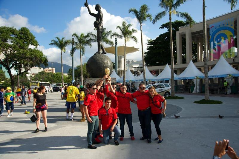 Meksykanie przy Maracana stadium przed FIFA pucharem świata fotografia royalty free