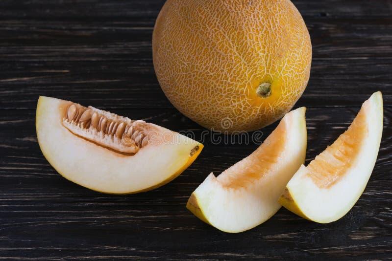 Melões frescos cortados imagem de stock