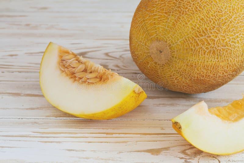 Melões frescos cortados foto de stock