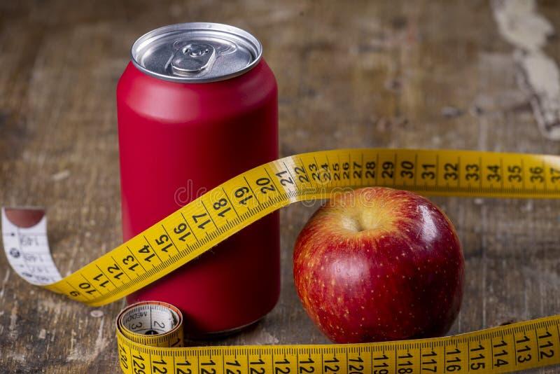 mela che rappresenta i tipi di sovrappesi fotografia stock libera da diritti