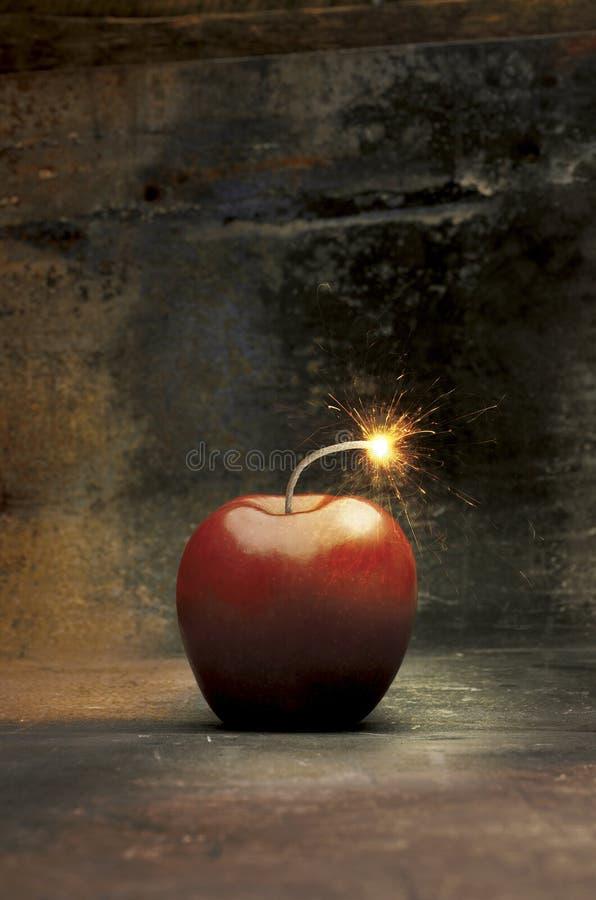 Mela esplosiva fotografie stock libere da diritti