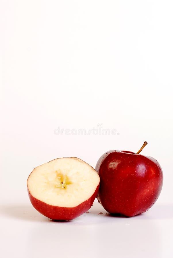 Download Mela rossa immagine stock. Immagine di spuntino, lifestyle - 7305555