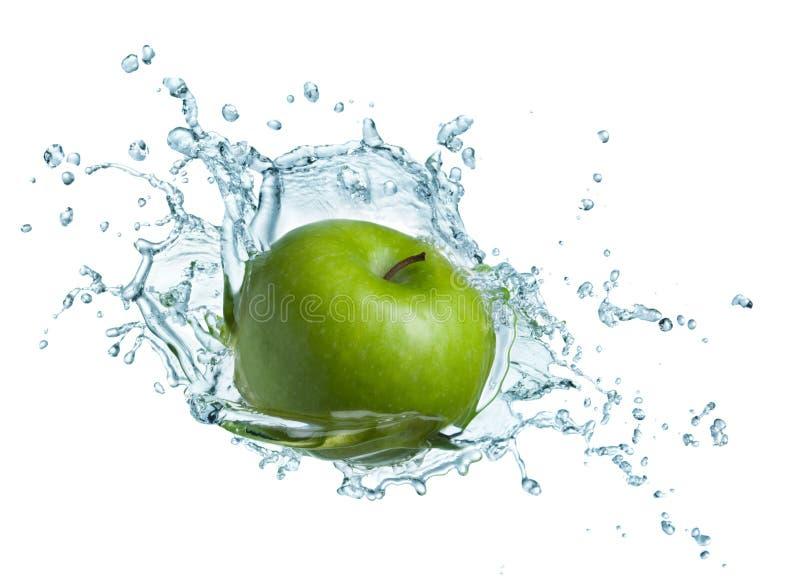 Mela verde in acqua immagini stock