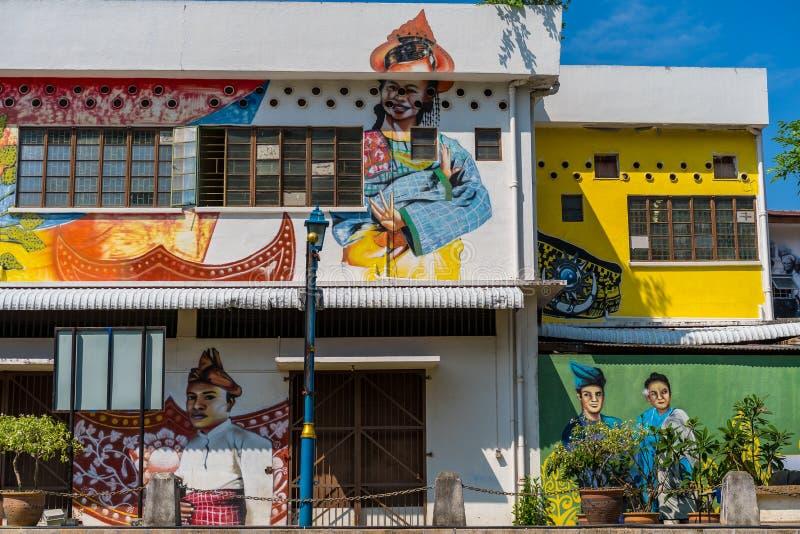 MELAKA,马来西亚- 12月30,2018:在大厦的街道艺术沿Melaka河 马六甲,取绰号的历史的状态历史城市 免版税库存照片