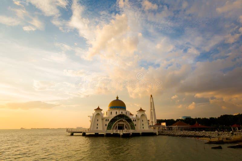 Melaka海峡清真寺在马六甲 免版税库存照片