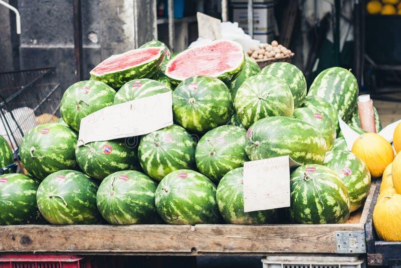 Melancias no mercado de fruto, Catania, Sicília, Itália imagem de stock royalty free