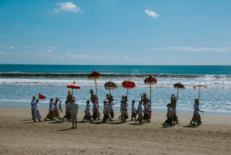 Melasti-Zeremonie in Bali lizenzfreies stockfoto