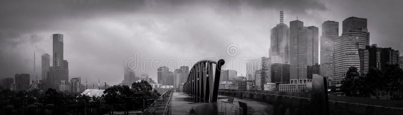 Melbourne auf einem grauen Wintermorgen stockfotografie