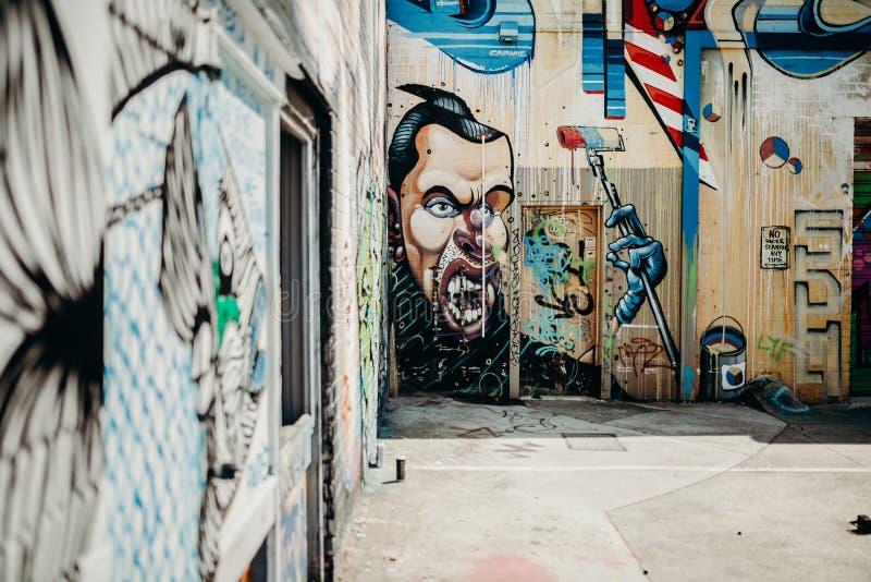 MELBOURNE, AUSTRÁLIA - 12 de março de 2017: Paredes dos grafittis em Melbourne, Austrália foto de stock royalty free