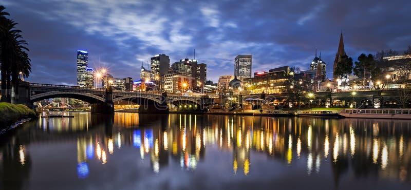 Melbourne Australien vid natt arkivfoto