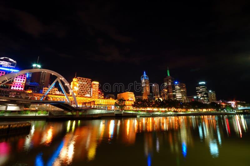Melbourne bij nacht stock fotografie