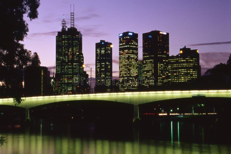 Melbourne bij nacht stock foto's