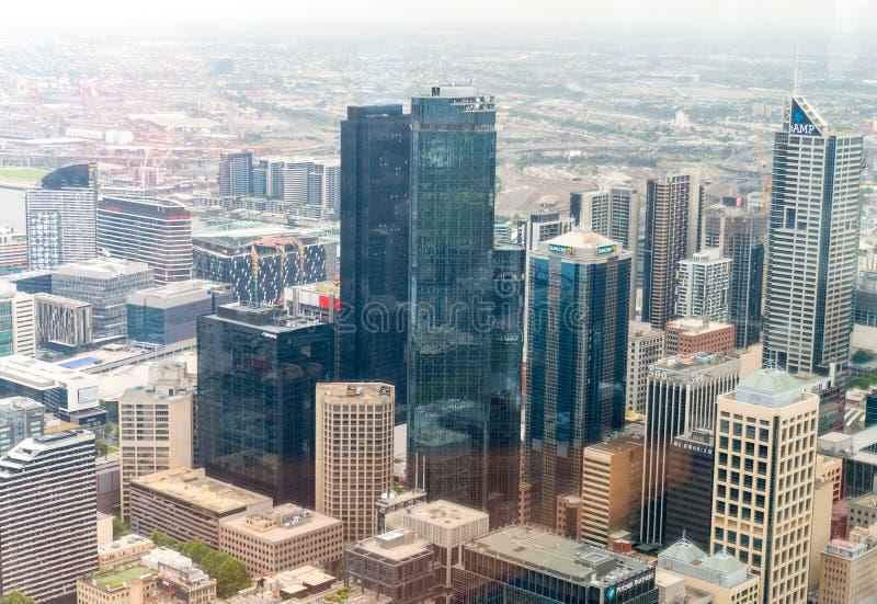 MELBOURNE - 20 DE NOVIEMBRE DE 2015: Vista aérea del horizonte de la ciudad Melb fotografía de archivo